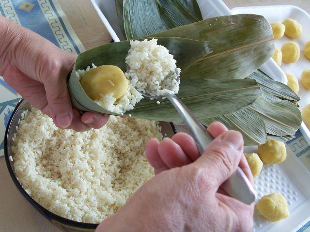 綠豆沙餡鹼粽包法-