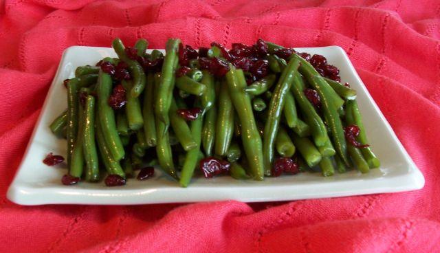 家常素食 23熟拌豆莢和紅莓