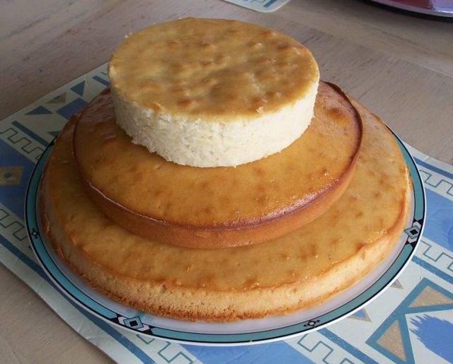 胡奶奶美味甜點 32-3疊成三層蛋糕