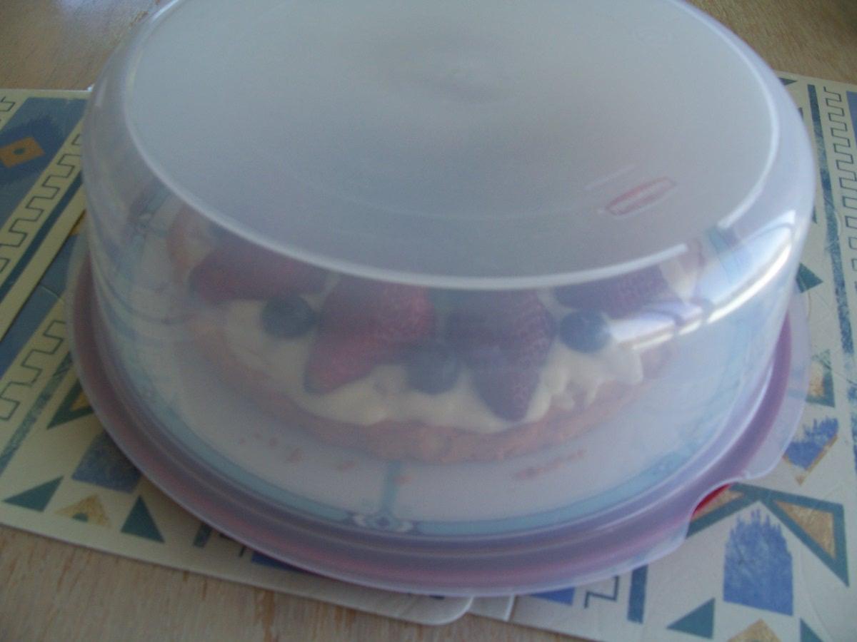 胡奶奶美味甜點 41-7將棉花糖醬水果糕餅派移置保鮮盒中