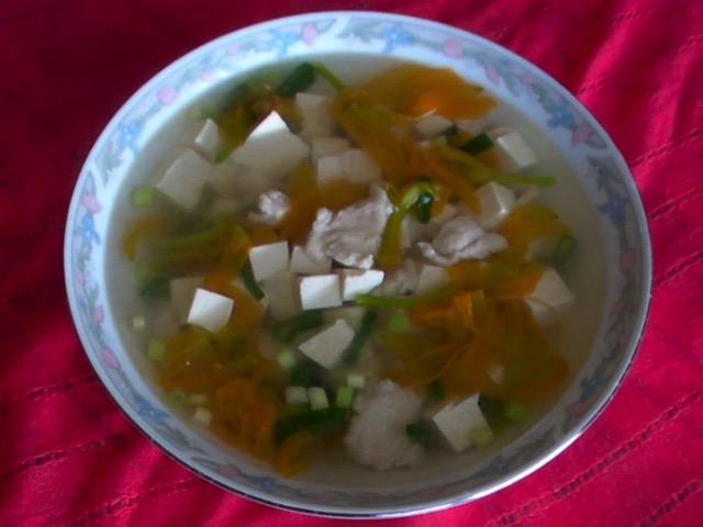 美味湯類 萱花雞片豆腐湯
