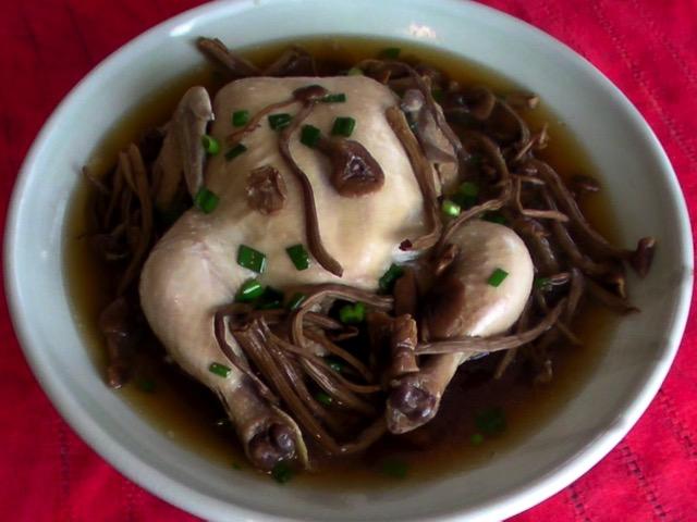 美味湯類 茶樹菇雞湯