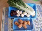 胡奶奶美味軒食譜 370-1魚板鮮菇燴綠葉白菜食材